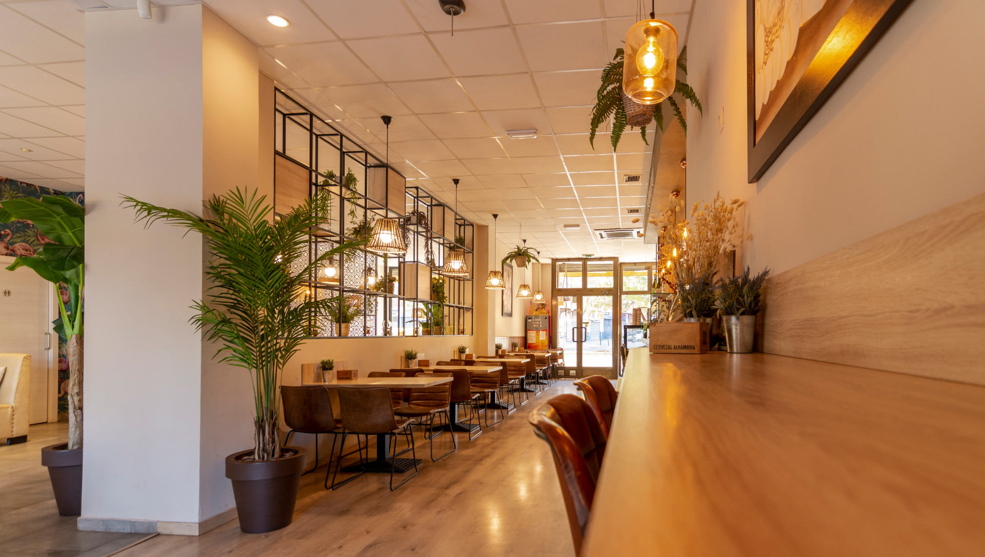 proyectos-interiorismo-interioristas-comercios-empresas-reformas-locales-comerciales-cafeterias-cafe-kumaru-11