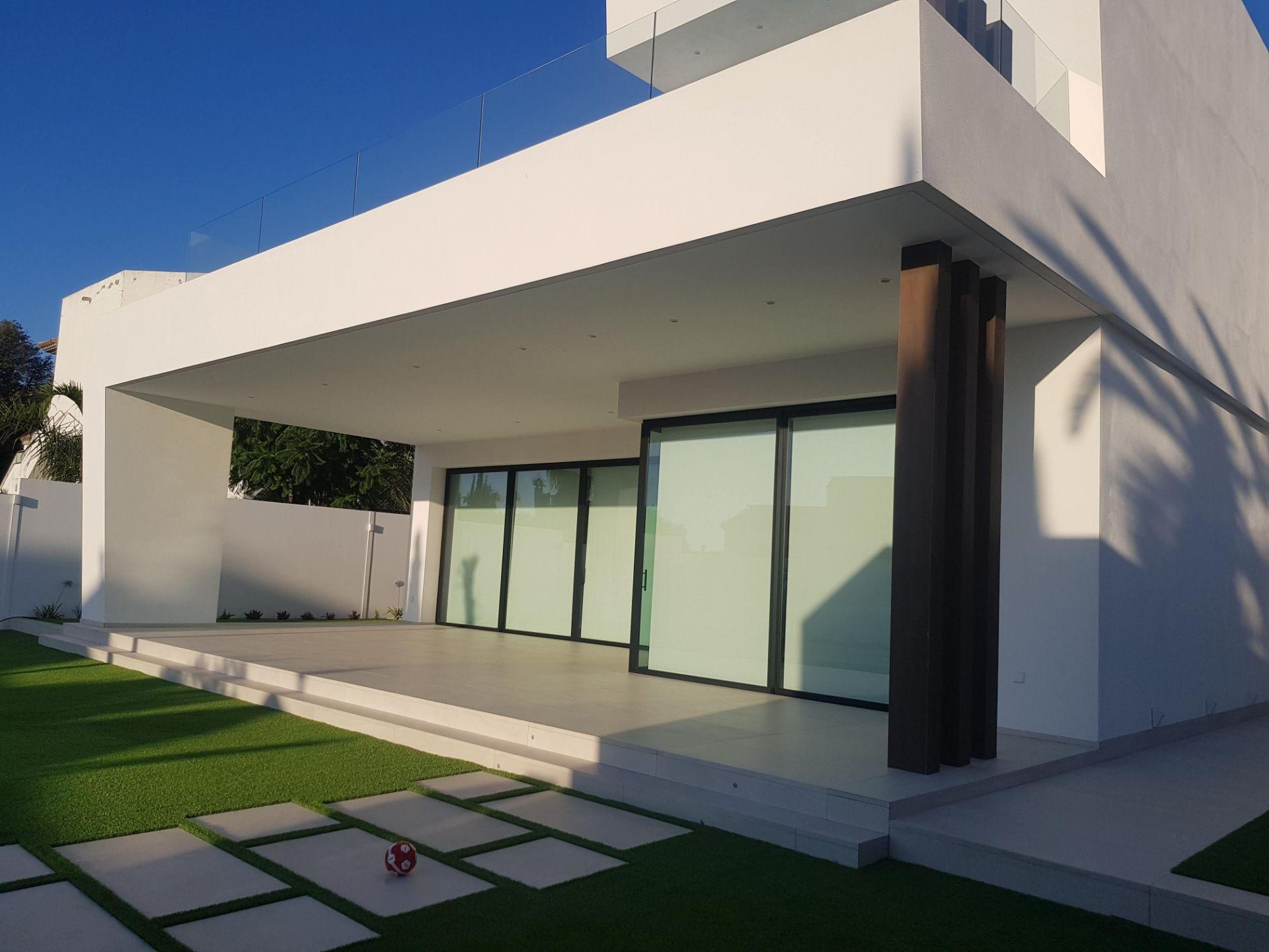proyectos-interiorismo-interioristas-diseno-interiores-viviendas-particulares-casas-chalets-adosados-lujo-06