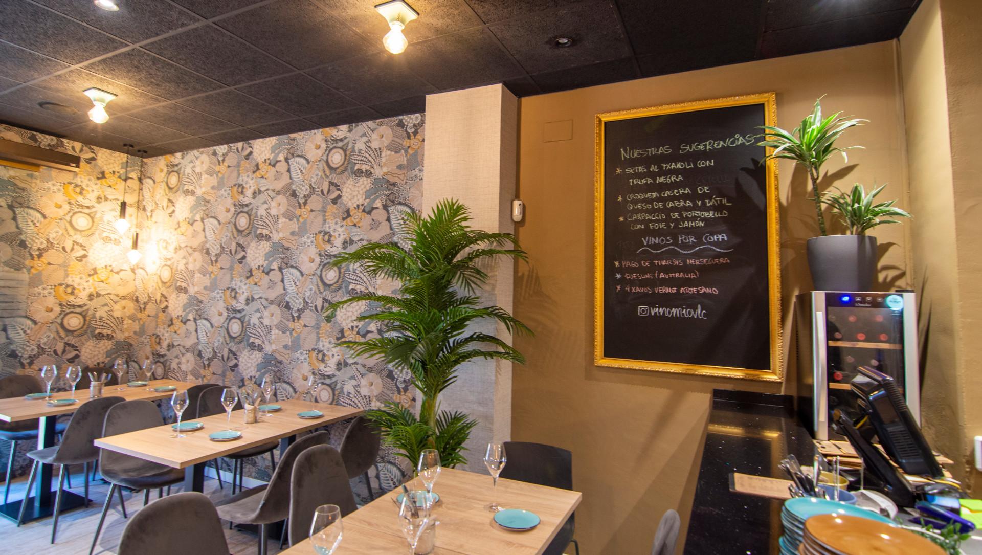 proyectos-interiorismo-interioristas-locales-comerciales-gastronomia-vinotecas-enotecas-restaurantes-bares-vinomio-gastrowine-valencia-10