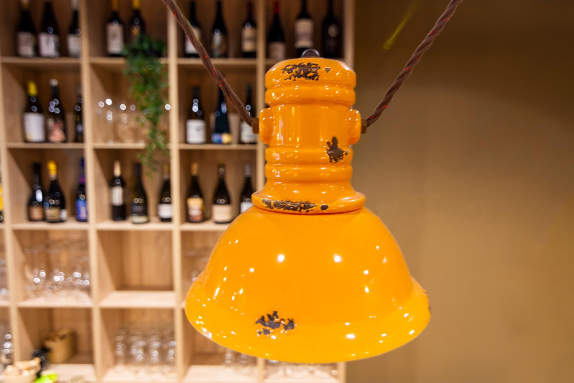 proyectos-interiorismo-interioristas-locales-comerciales-gastronomia-vinotecas-enotecas-restaurantes-bares-vinomio-gastrowine-valencia-11