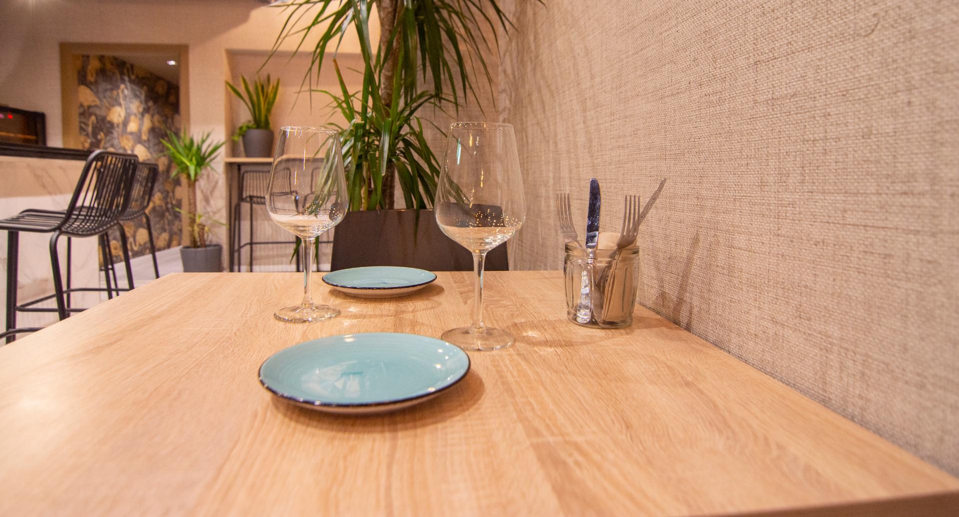 proyectos-interiorismo-interioristas-locales-comerciales-gastronomia-vinotecas-enotecas-restaurantes-bares-vinomio-gastrowine-valencia-14