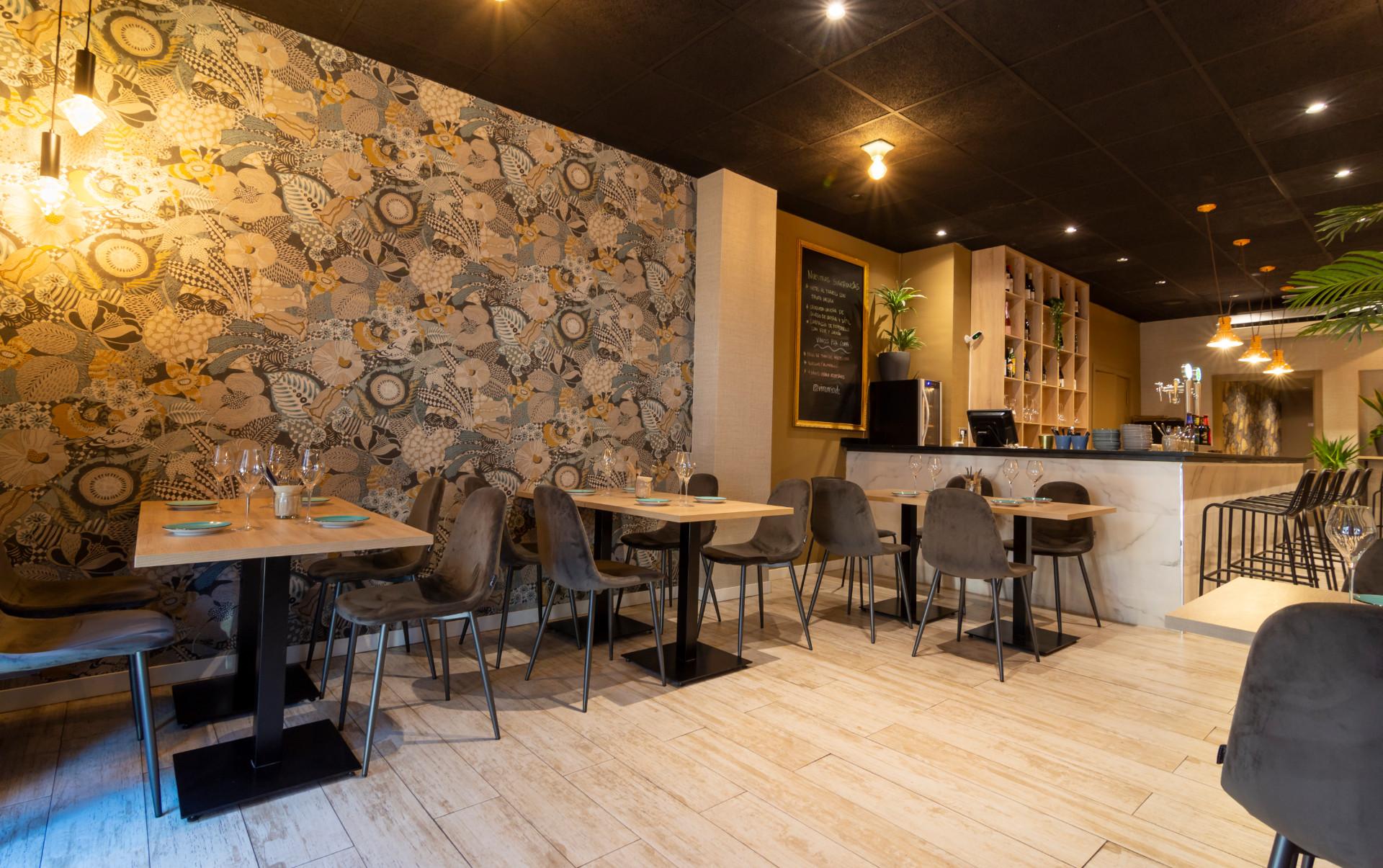 proyectos-interiorismo-interioristas-locales-comerciales-gastronomia-vinotecas-enotecas-restaurantes-bares-vinomio-gastrowine-valencia-2