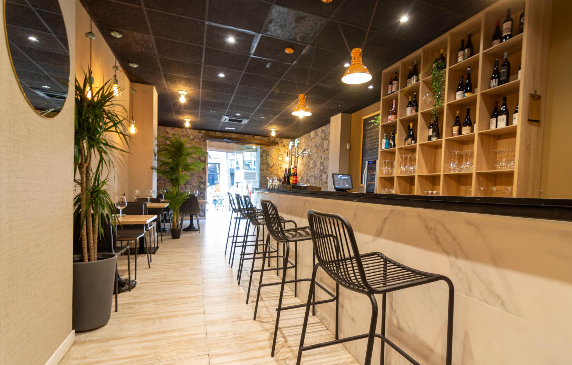 proyectos-interiorismo-interioristas-locales-comerciales-gastronomia-vinotecas-enotecas-restaurantes-bares-vinomio-gastrowine-valencia-5