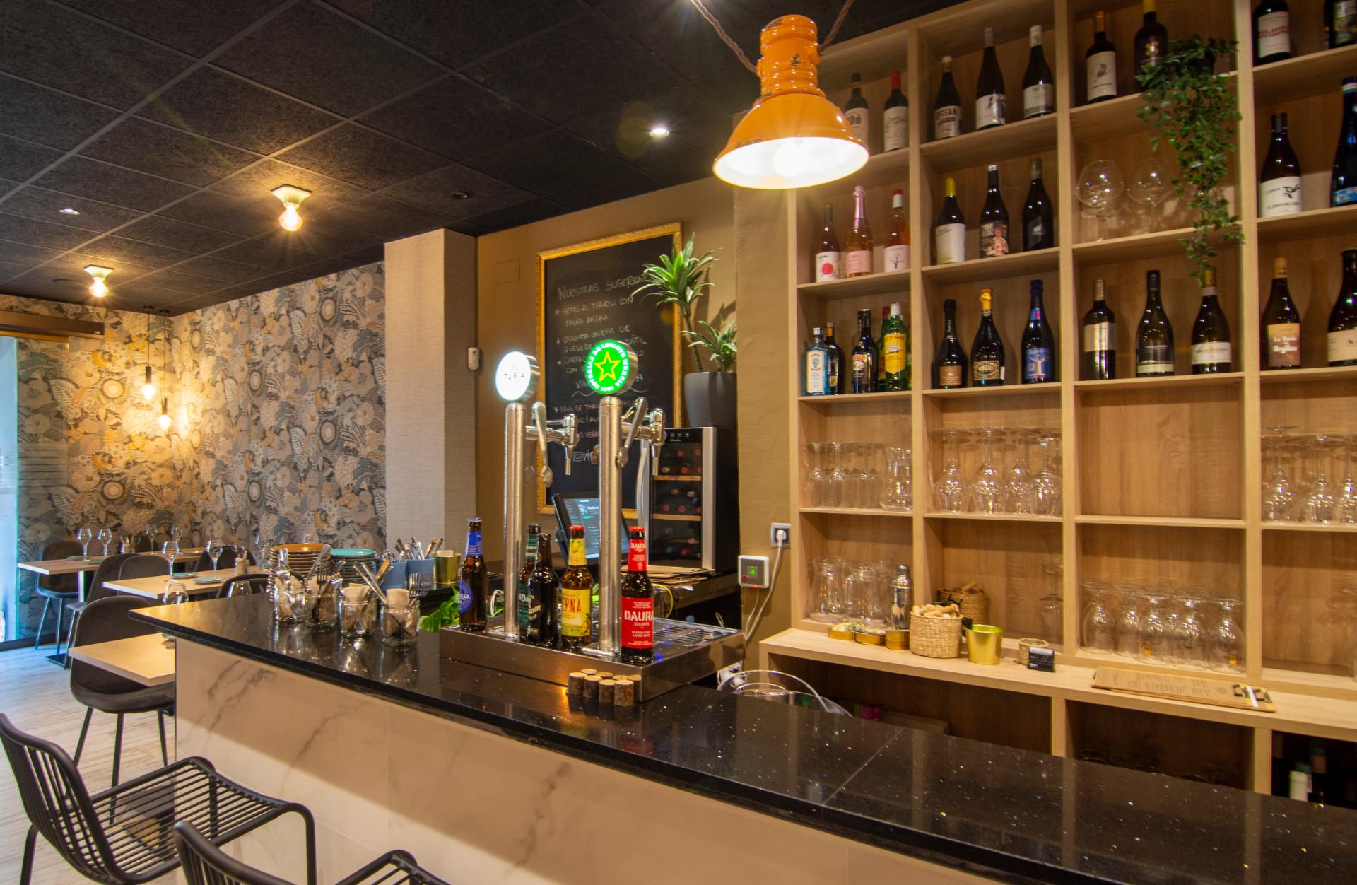 proyectos-interiorismo-interioristas-locales-comerciales-gastronomia-vinotecas-enotecas-restaurantes-bares-vinomio-gastrowine-valencia-7